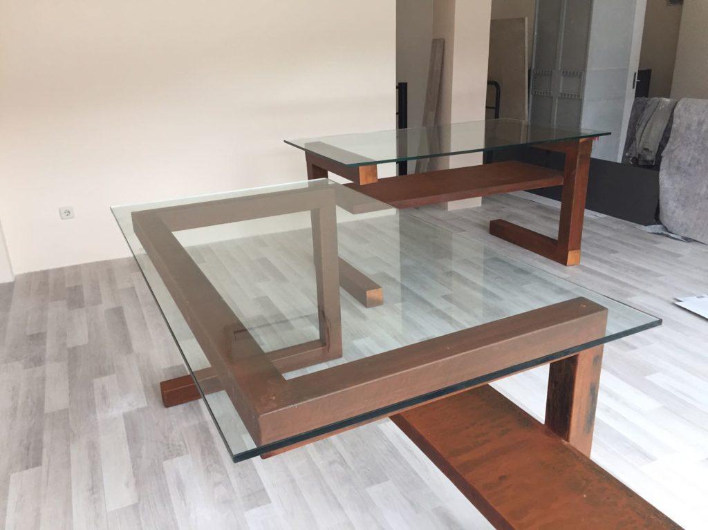 Mesa acero corten y cristal